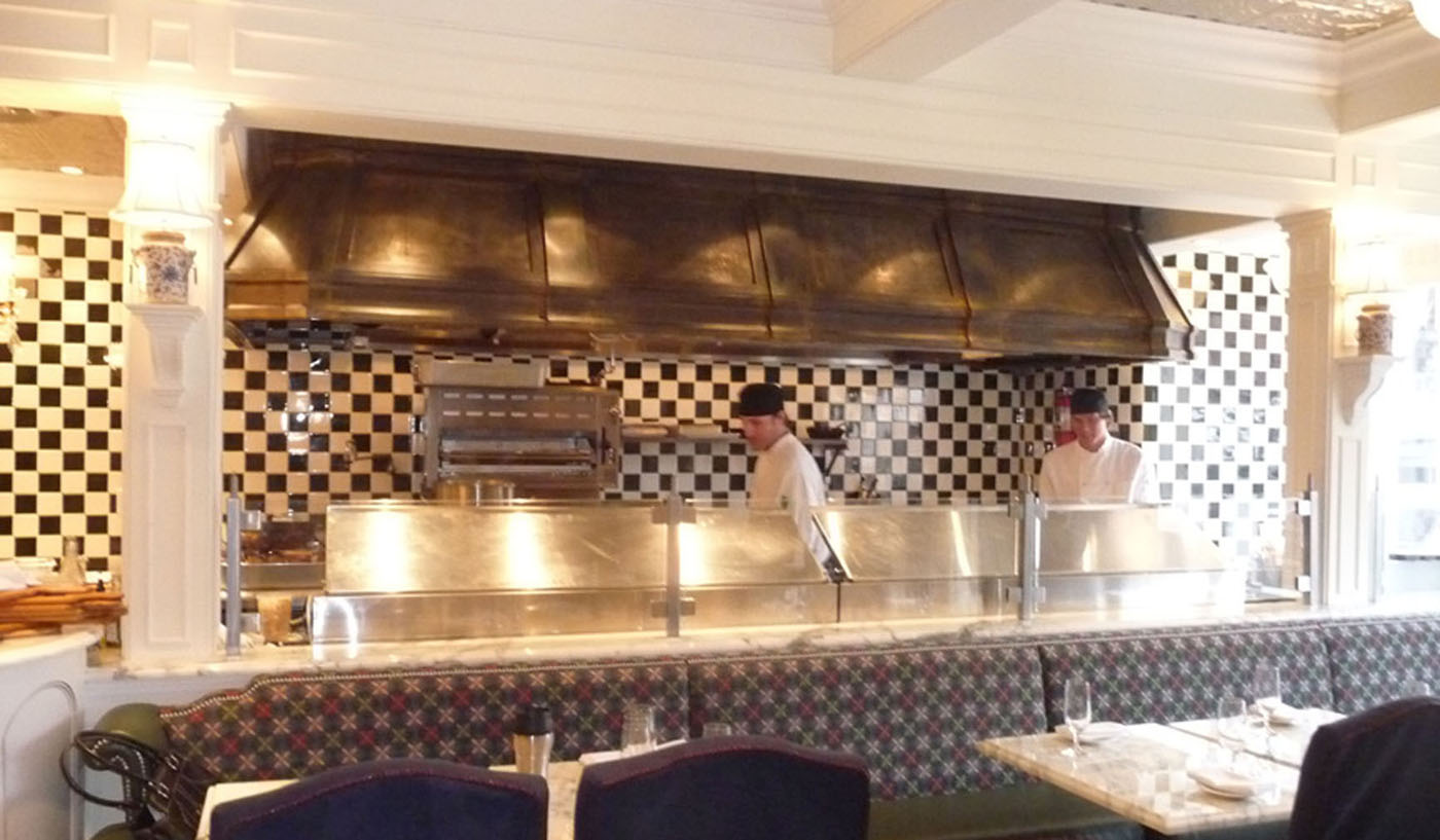 photo: Restaurant Display Cooking
